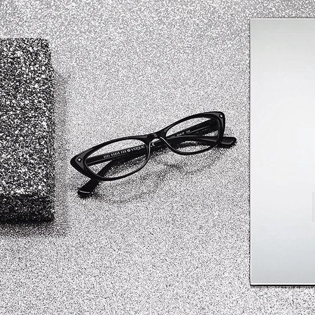 מי חשב שמשקפי ראייה יכולים להיות  הפריט הכי שיקי שלך?✨ אנחנו. קולקציית משקפי הראייה של #vogueeyewear  מחכה לך בסניפים ובאתר⚡️>> קליק על הביו ואת במקום הנכון🖤