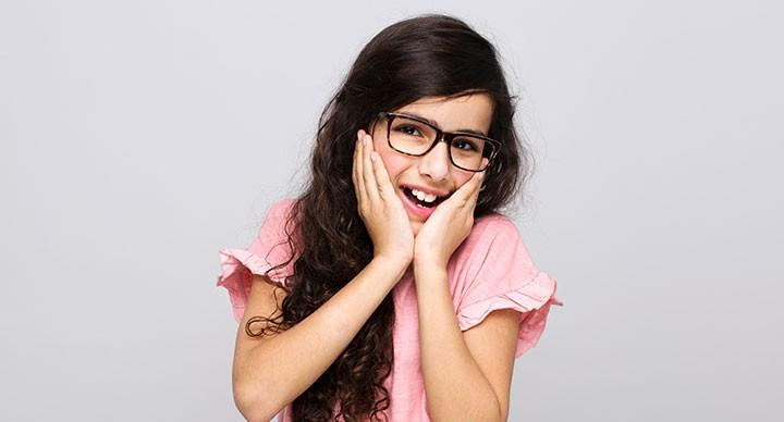 הסימנים שיעזרו לכם לזהות שהילד שלכם זקוק למשקפי ראייה