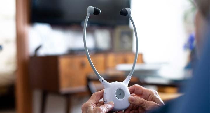 אוזניות לטלוויזיה ללקויי שמיעה - איך הן פועלות וכיצד לבחור נכון?
