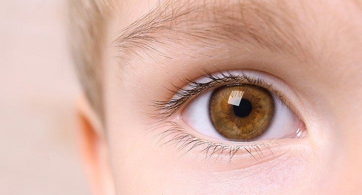 דלקות עיניים לילדים - זה מדבק